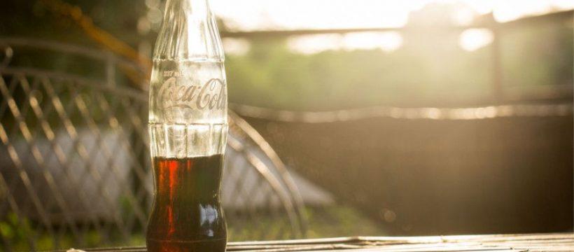 8 praktických tipov, ako Coca Cola pomôže v domácnosti